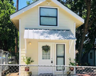 Tiny Home in the Heart of San Antonio