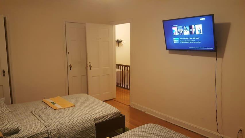 Large Room in Queens