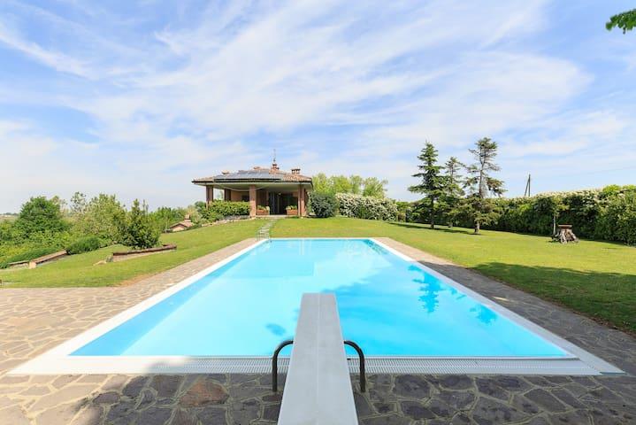 Charming villa on the hills