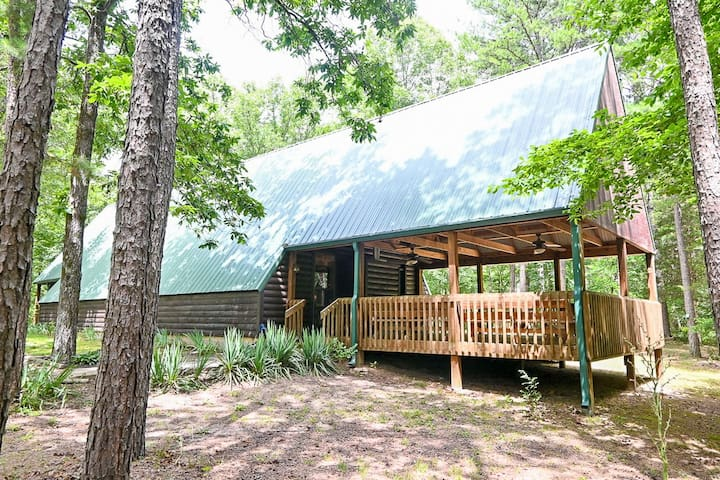 COZY A-Frame CABIN on Petit Jean Mt near StatePark