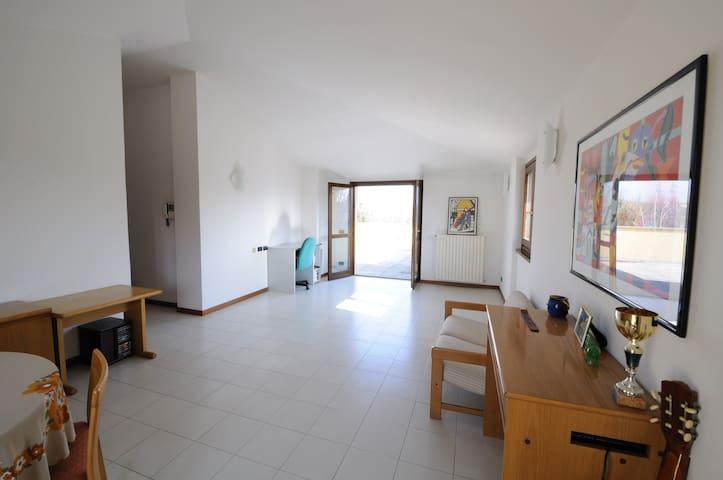 Besana In Brianza的民宿