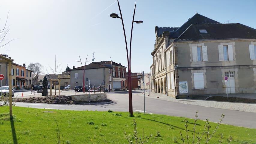Sommevoire的民宿