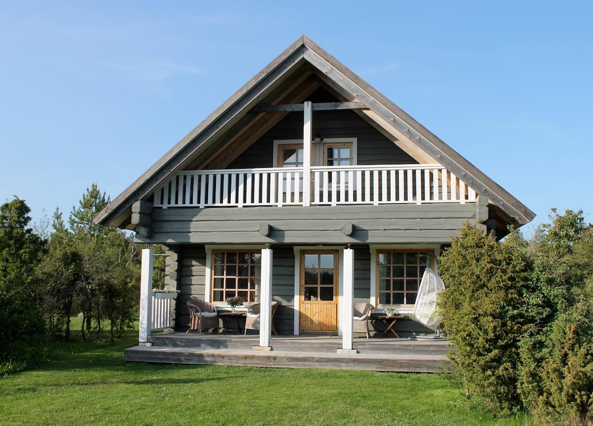 Idyllic cottage at the seaside