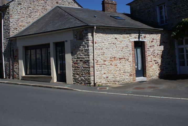 Livré-sur-Changeon的民宿