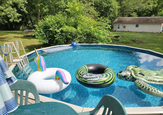 Brand New Private Wooded Retreat with Shared Pool