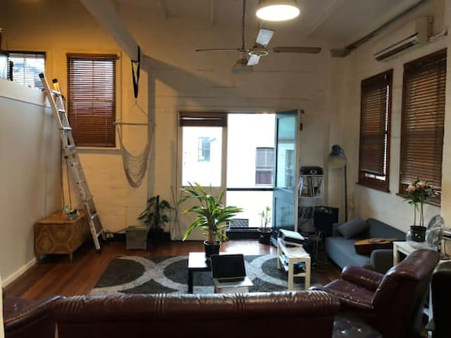 Funky warehouse stay in the heart of the city!