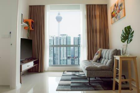 The Robertson 1BR Deluxe Suite, Bukit Bintang - R1