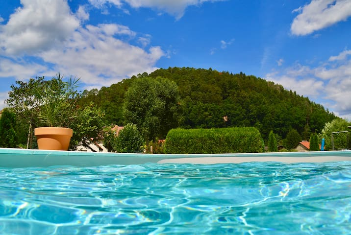 Gite 4 étoiles Vosges Nord avec piscine privative.