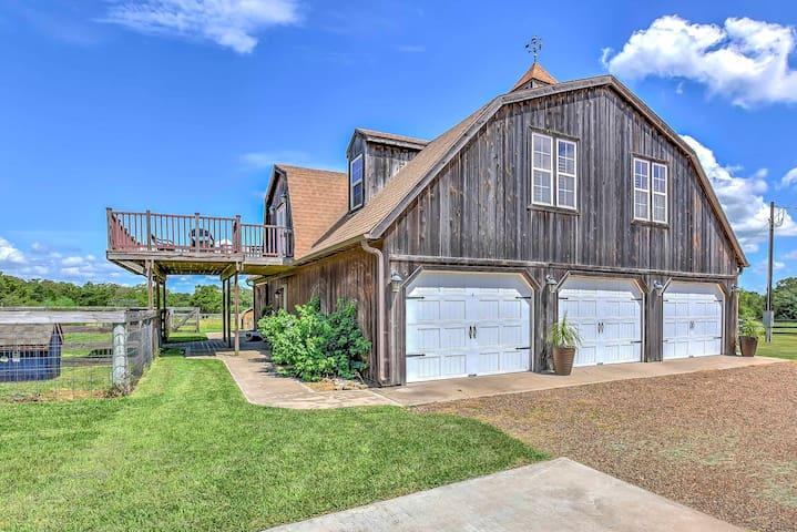 50-Acre 'The Carriage House' w/Pond & Farm Animals