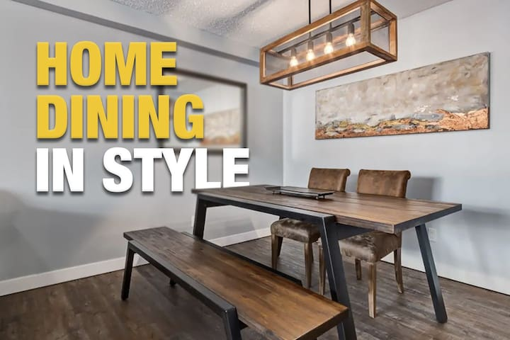 STAMPEDE  MODERN DOWNTOWN CONDO  SPACIOUS   3 BEDS