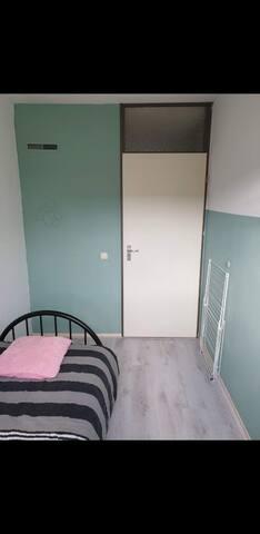 Mooie schone kamer.