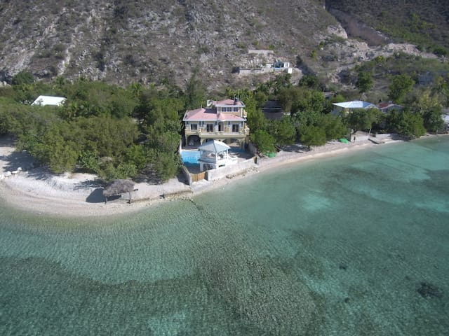 BELLA VISTA BEACH HOUSE
