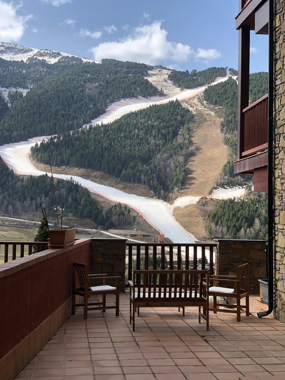 Perfect Mountain Retreat Insane View & 80m terrace