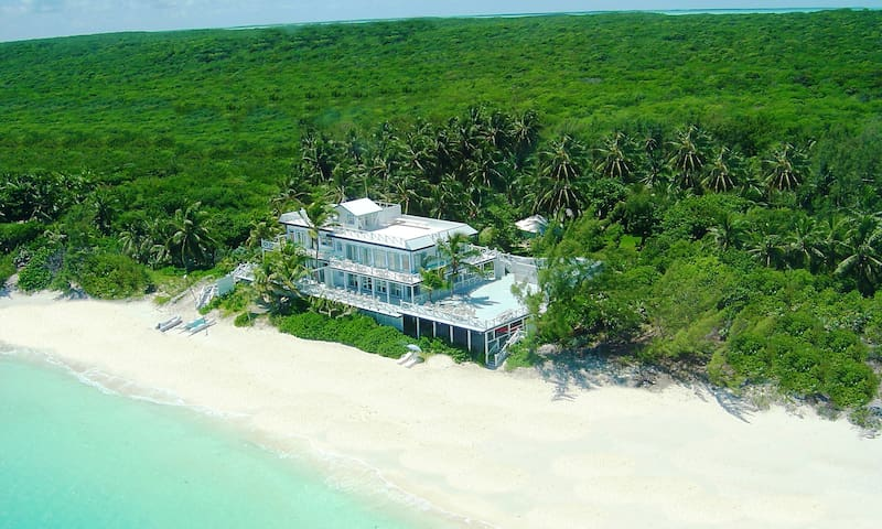 ISOLATE IN PARADISE - PRIVATE BEACH - 7BR/9BA