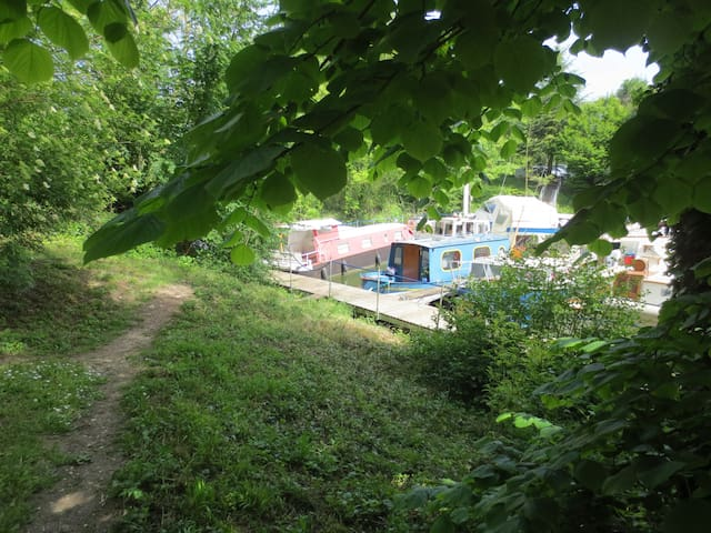 House boat for lovers! 20 min from Paris