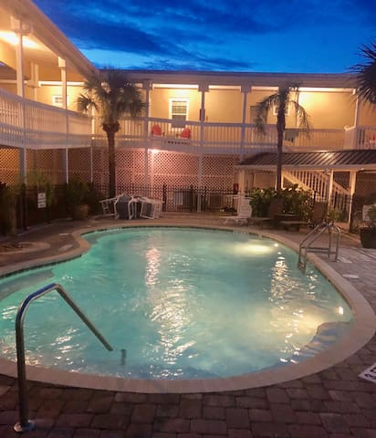 Luxury Accommodations steps from the Flagler Pier