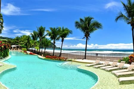 Luxury Beach Front Penthouse with Pool & Jacuzzi
