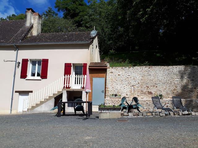 Clermont-Créans的民宿