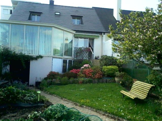 Fougères的民宿