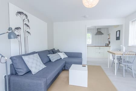 Moorview Apartment, St Ives - with parking