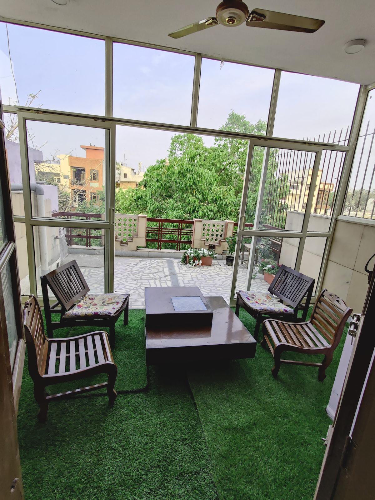 Garden Olive- Cosy bedrooms + Outdoor green lounge