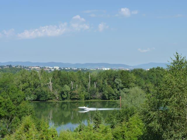 Saint-Bernard的民宿