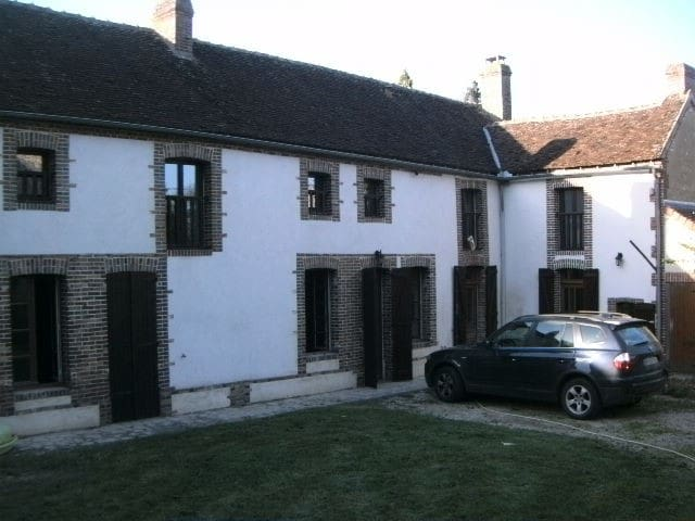 Poilly-sur-Tholon的民宿