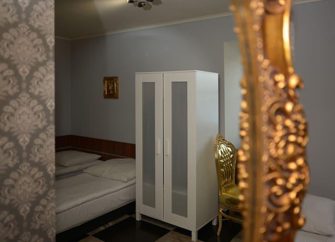 Pałac - pokój nr 8