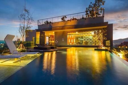 清迈市中心香格里拉酒店旁精品公寓,带免费泳池、健身房astra condo