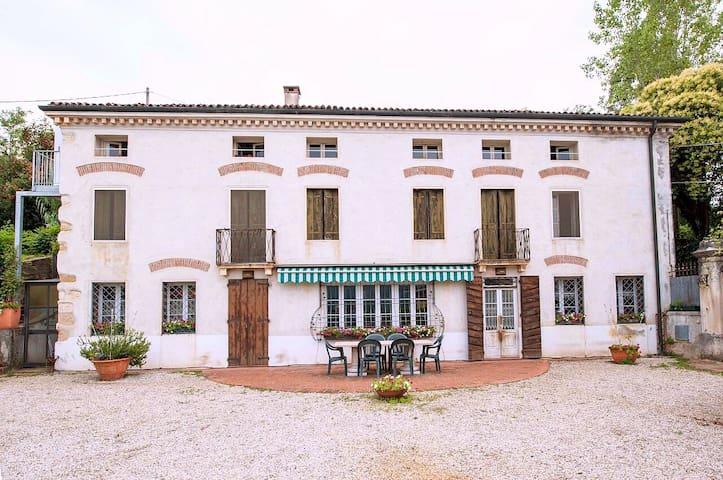 Altavilla Vicentina的民宿