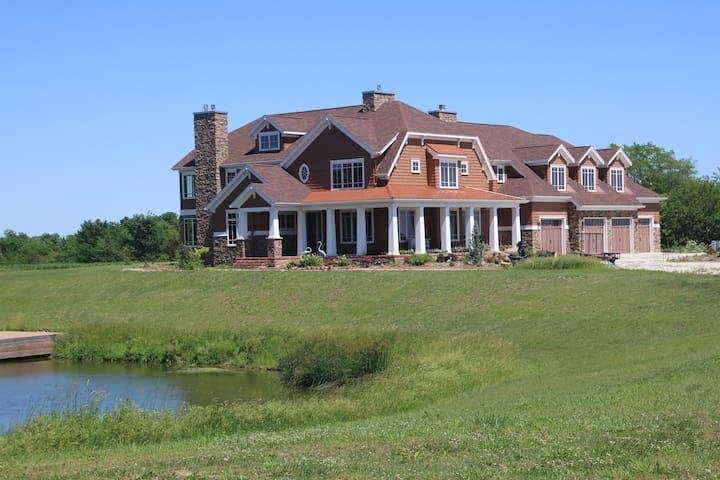 Buckman's Guesthouse (5 Bedrooms+)