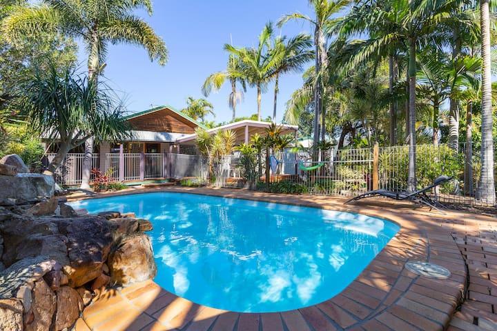Beach House on Neurum with Pool - 4 Bed, Pets Ok