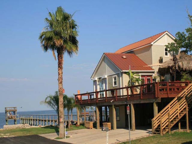Kemah Seaside Retreat