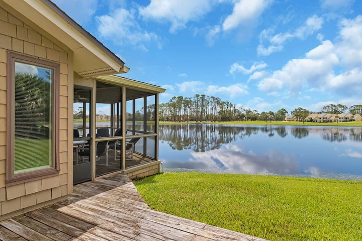 Relax and enjoy the remarkable lakefront views from this spacious Sawgrass condo (FC - 1)