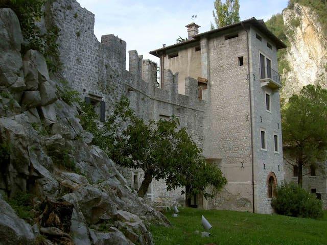 维托廖韦内托 (Vittorio Veneto)的民宿