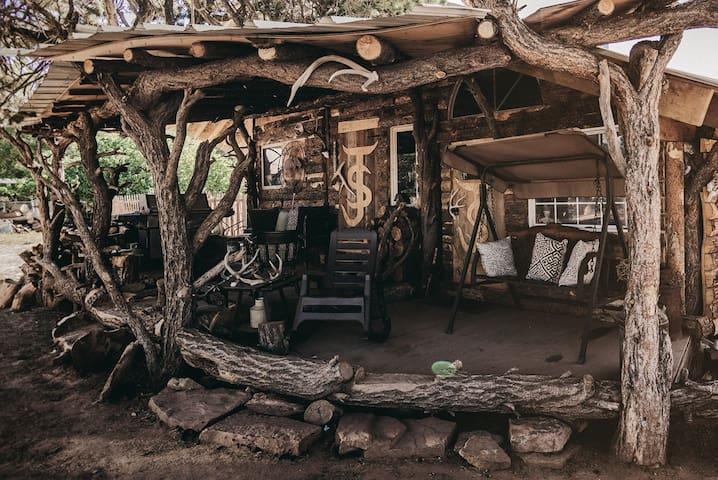 Cozy Rustic Colorado Cabin!
