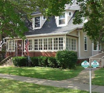 Geneva Street Inn in Maple Park Historic District