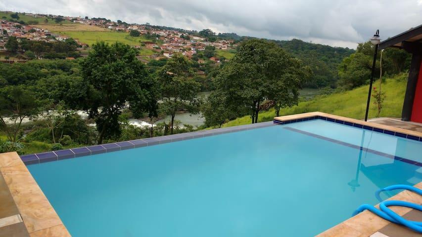 Vila Saens的民宿