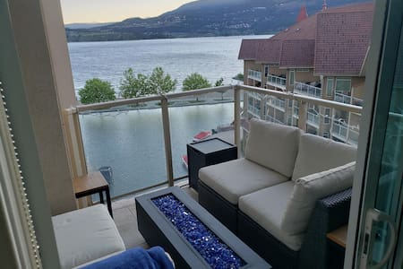 Downtown Lakefront Condo - Amazing Views BN82776