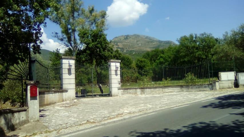 Rocca D'evandro的民宿