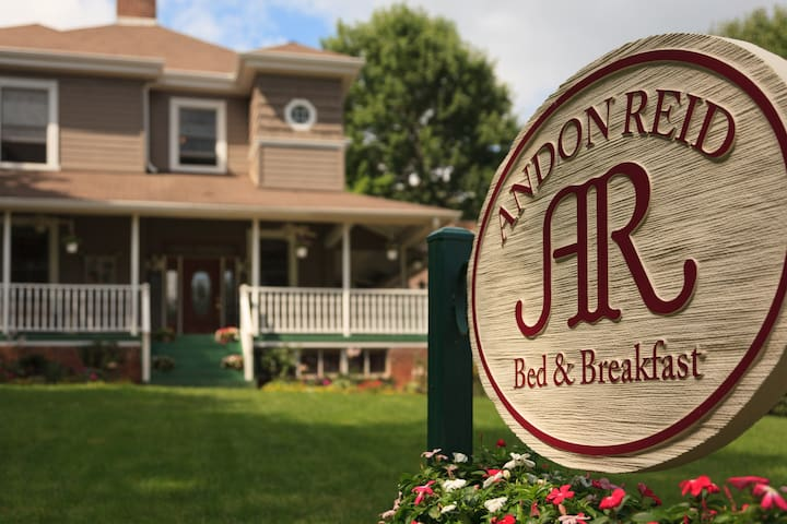 Professional, Award-winning Bed & Breakfast