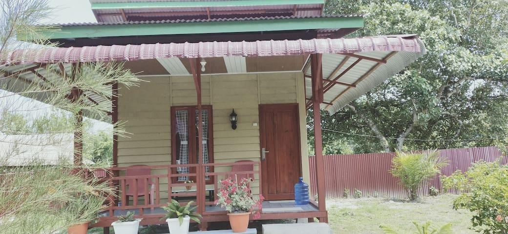 Jl Matanurung Raya, Simuelue的民宿