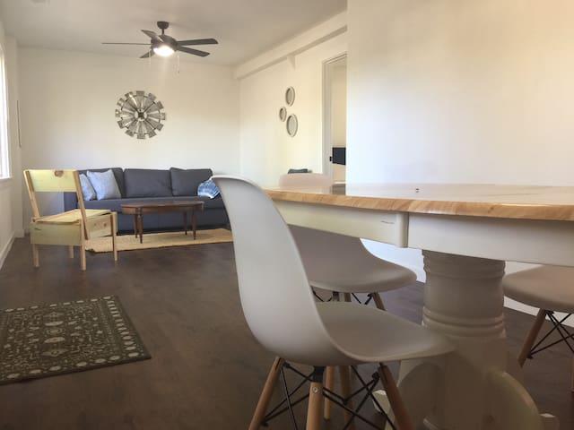Modern Barn-house Retreat in Saugatuck/Douglas