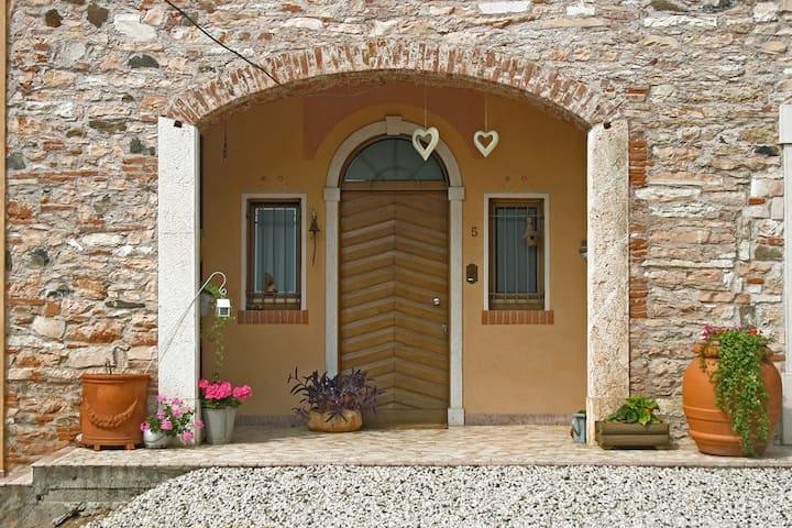 San Vito di Leguzzano的民宿