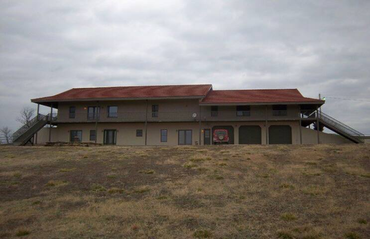 Lightning Creek Lodge