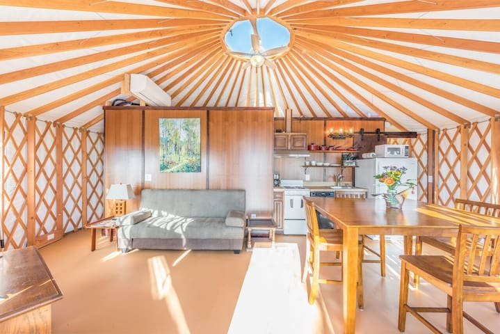 Cherry Blossom Yurt on Lookout Mountain
