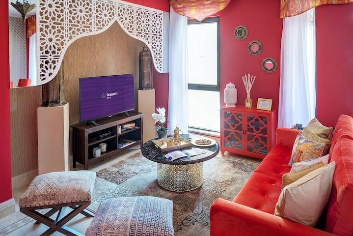Vintage Arabian-themed Two-Bedroom Apartment