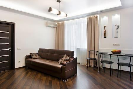 2 room studio in green quiet Kiev center