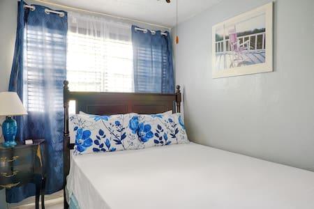 Cozy one-bedroom,  Cottage in Danottage.