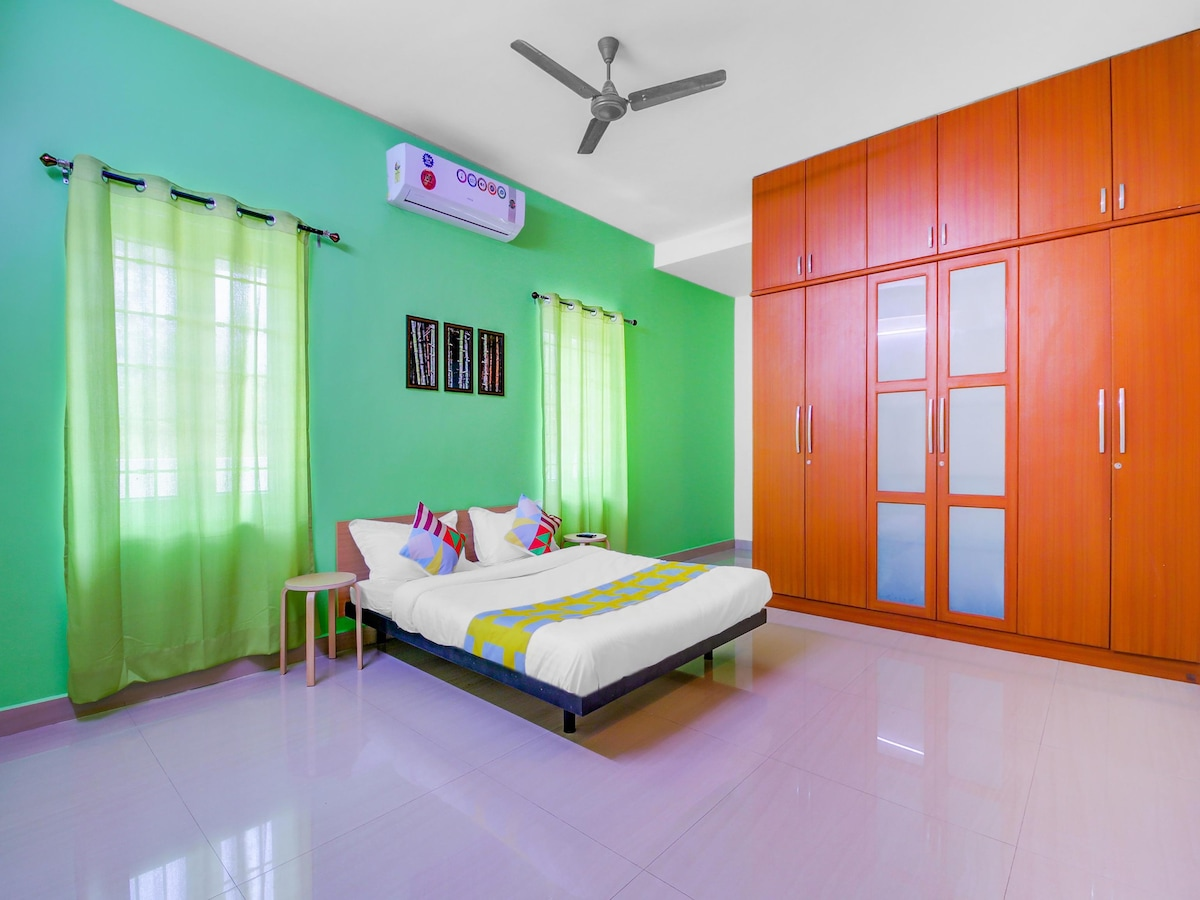 OYO - 1BR Luxury Retreat 1.5 Km from the Beach | Discounted!!